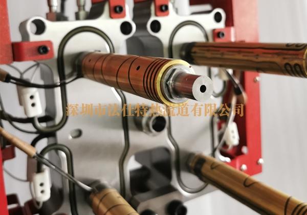 一出四整体油缸针阀热流道系统