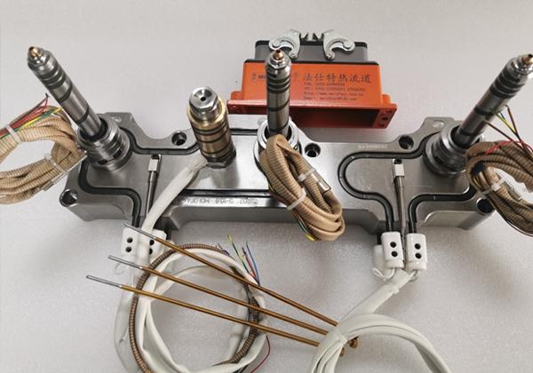 一出三针阀式热流道系统
